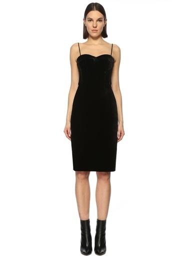 Askılı Elbise-Theory